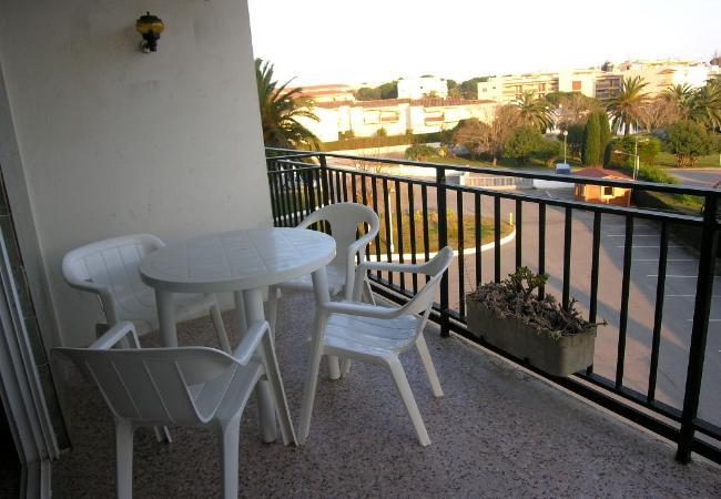 Apartamento en Palamós - MI-302-LA F0SCA (Palamós) - Estudio a pocos m. de la playa - Terraza-parking