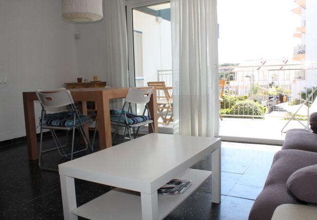 Apartamento en Palamós - M10-AP.  A 50 M DE LA PLAYA DE LA FOSCA  - TERRAZA Y PARKING