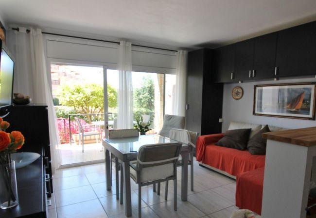 Apartamento en Palamós - A5-Ap.+ jardín 2/4 pers. a 100 m de la playa la Fosca-Parking-wifi