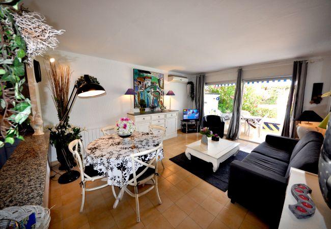 Apartamento en Palamós - S'A009-A 2 MN DE LA PLAYA DE LA FOSCA-PRECIOSO AP. PLANTA BAJA + TARRAZA + PARKING