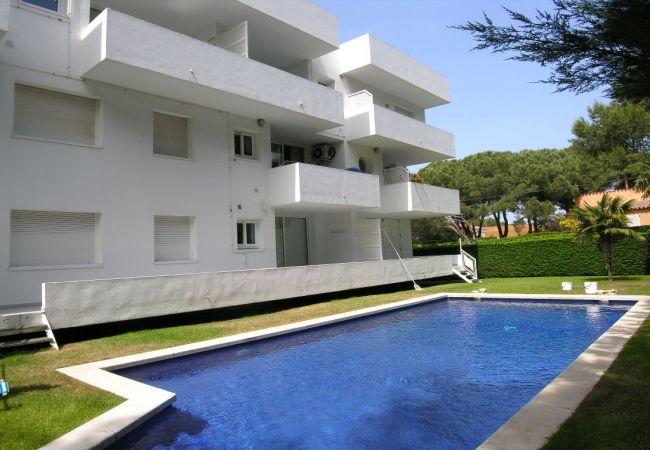 Apartamento en Palamós - CLUB DE MAR - AP. 4 DORM. A 200 M PLAYA DE LA FOSCA - PISCINA Y JARDIN