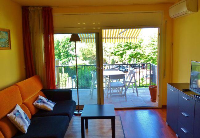 Apartamento en Palamós -  S101-LA FOSCA (Palamós) -AP. 4/6 pers.A 200 m. de la playa. Aire acond.TerraZa, parking