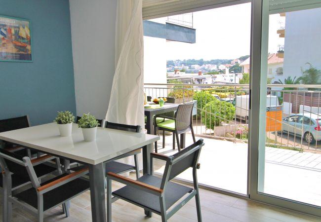 Apartament en Palamós - M.11-AP. 4/6 PERS. A 50 M DE LA PLATJA - TERRASSA Y PARKING