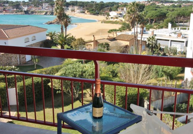 Apartment in Palamós - W303-LA FOSCA-FLAT VIEW ON THE SEA AT 150 M FROM THE BEACH
